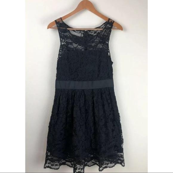 BB Dakota Dresses & Skirts - BB Dakota Black Lace Dress ~Size 8~